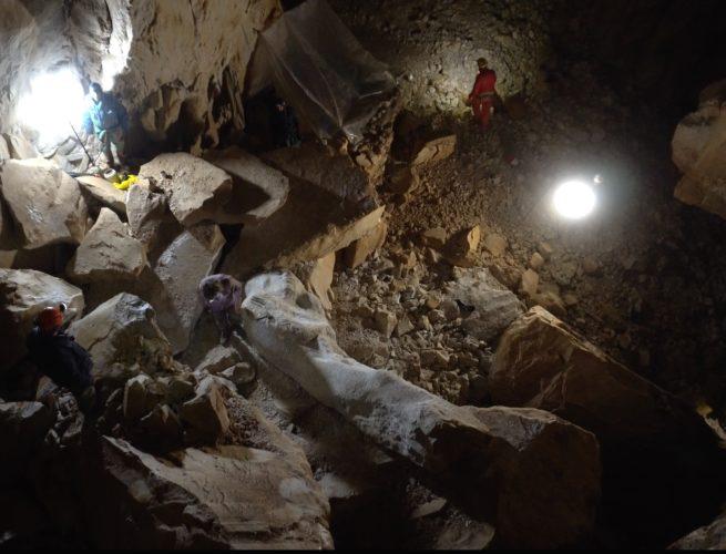 l-uomo delle caverne
